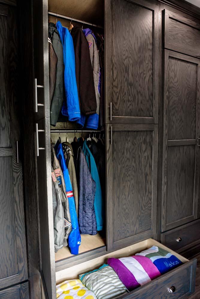Cabinets/Shelving 21