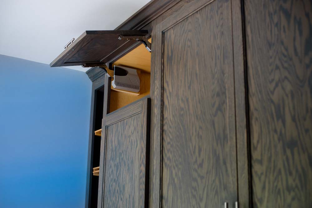 Cabinets/Shelving 22