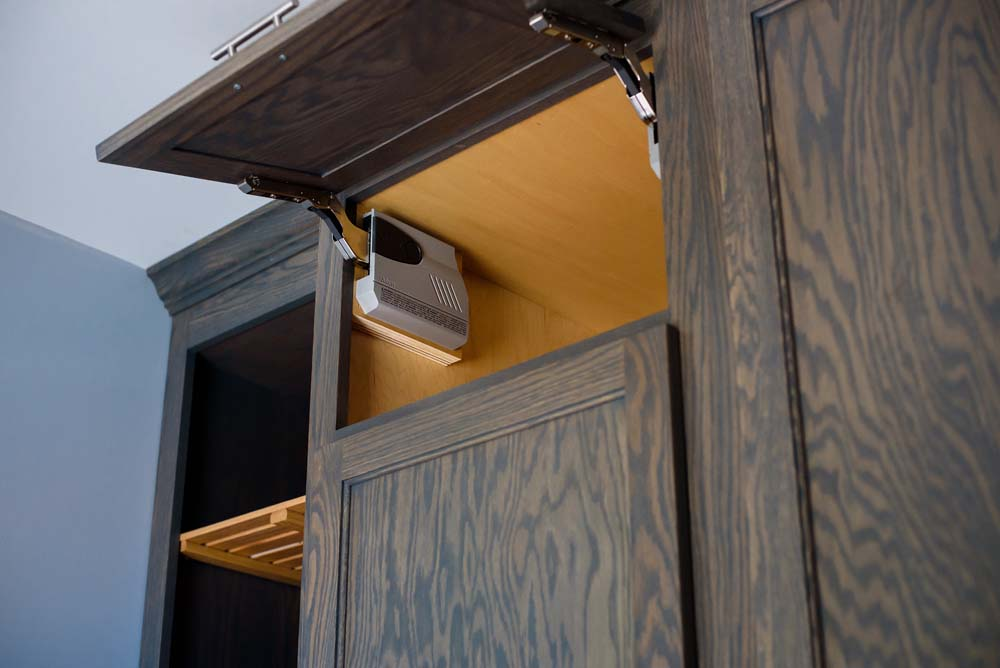 Cabinets/Shelving 23