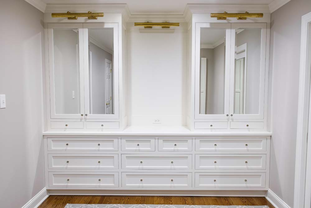 Cabinets/Shelving 24