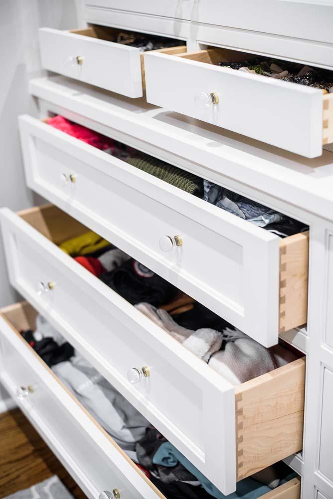 Cabinets/Shelving 28
