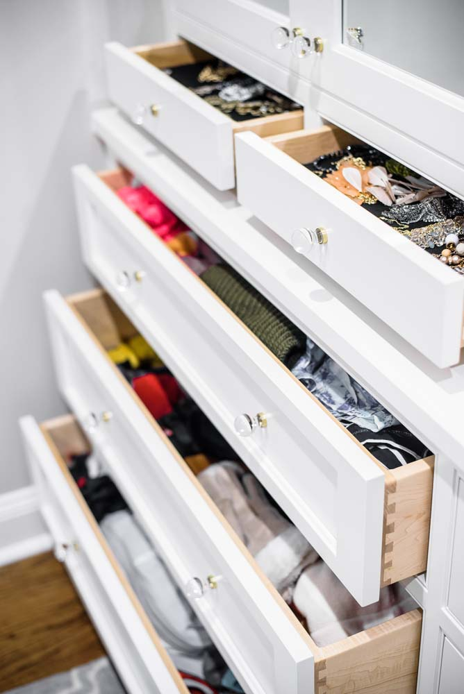 Cabinets/Shelving 29