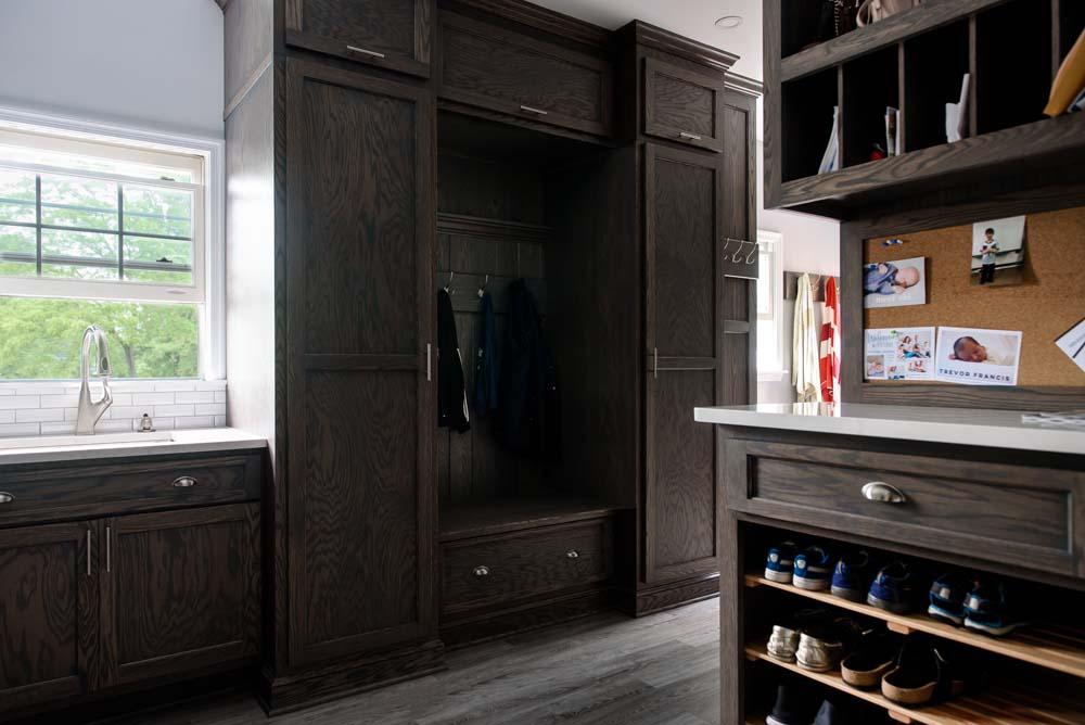 Cabinets/Shelving 13