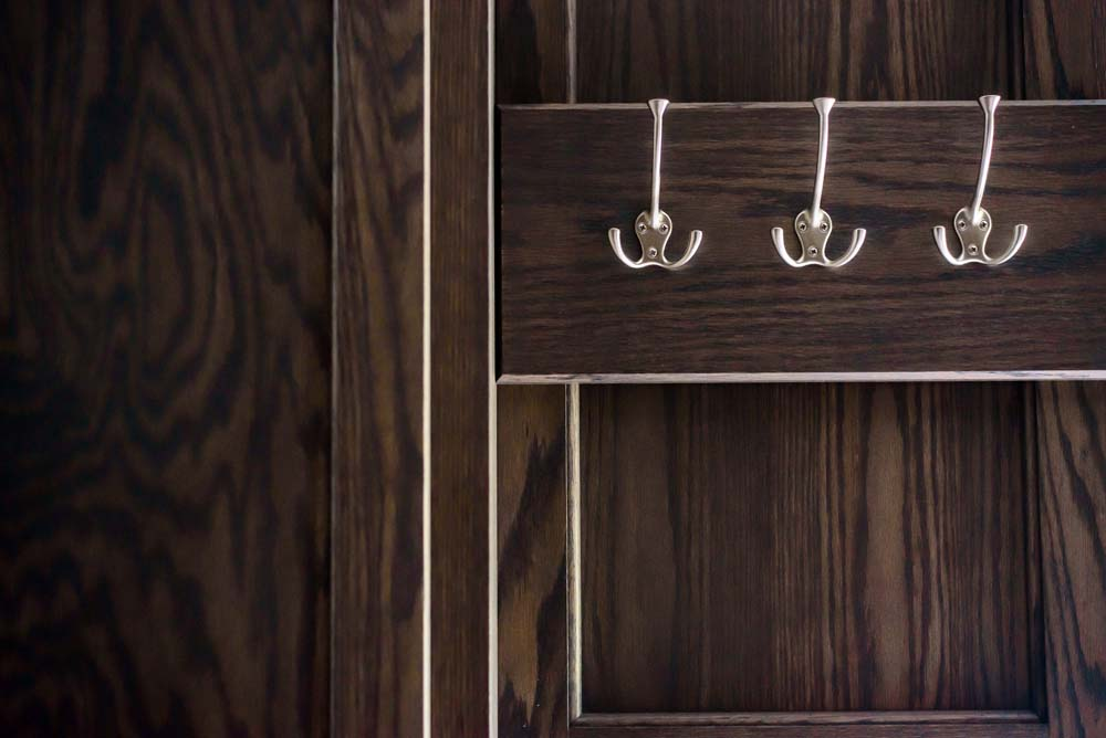 Cabinets/Shelving 16
