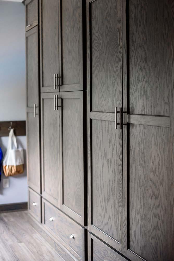 Cabinets/Shelving 19