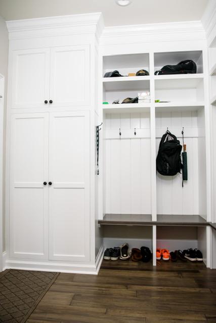 Cabinets/Shelving 6